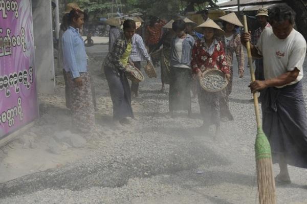 spreading stones