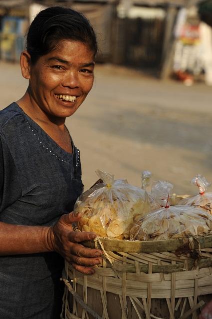 selling garlic chips